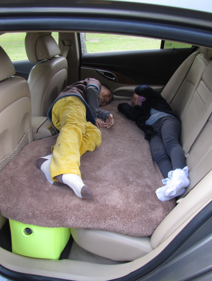 Easy Carry Lightweight Inflatable Car Back Seat Air Bed
